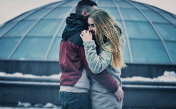 Jak zachęcić kobietę do okazywania uczuć