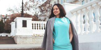 Sukienki dla puszystych – jak dobrać fason