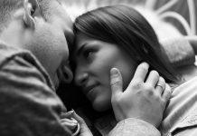 10 rzeczy związanych z seksem, które świadczą o tym, że cię kocha