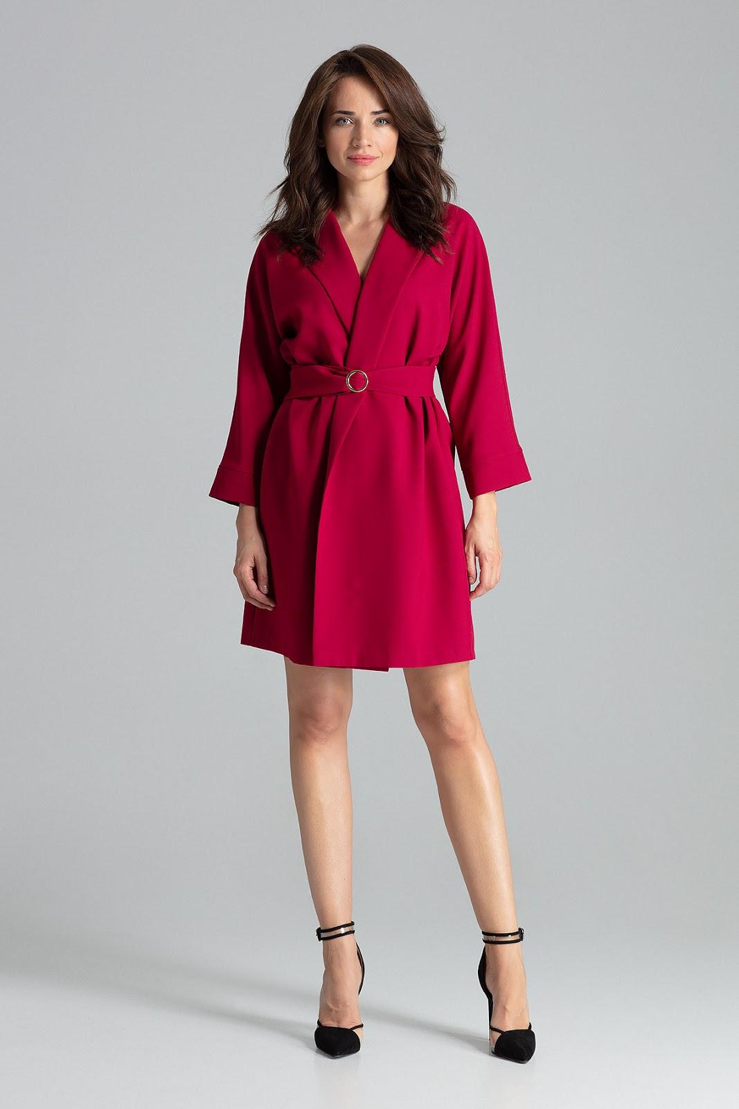 czerwona taliowana sukienka