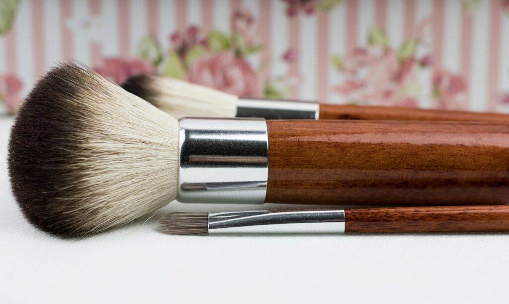 Makijaż - jak dobrać kolory do swojej cery