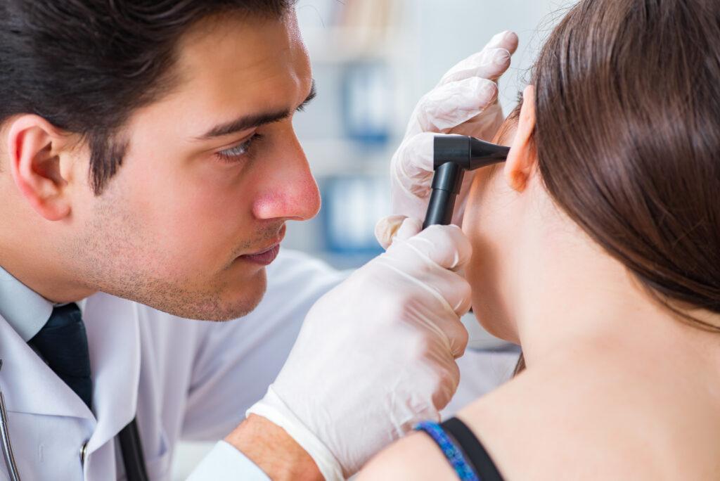 3 choroby, z którymi powinieneśiść do laryngologa