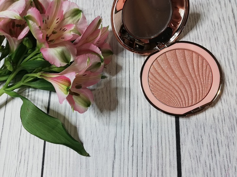 Affect Shimmer Pressed Highlighter created by Pro Make Up Academy