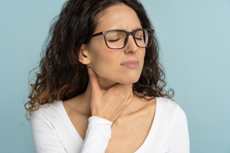 Ból gardła – jak rozpoznać i skutecznie leczyć?