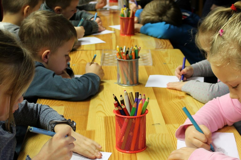 Przedszkola i żłobki to zdaniem Szyszki relikt PRL-u