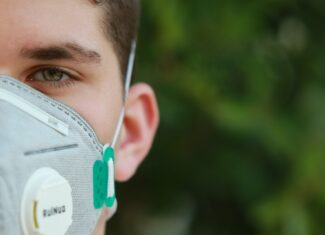 Co warto wiedzieć o maskach ochronnych