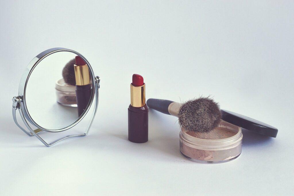 Jak kupować kosmetyki podczas epidemii koronawirusa