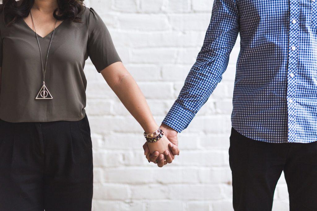 Drobne gesty, w których ukryta jest miłość kobiety