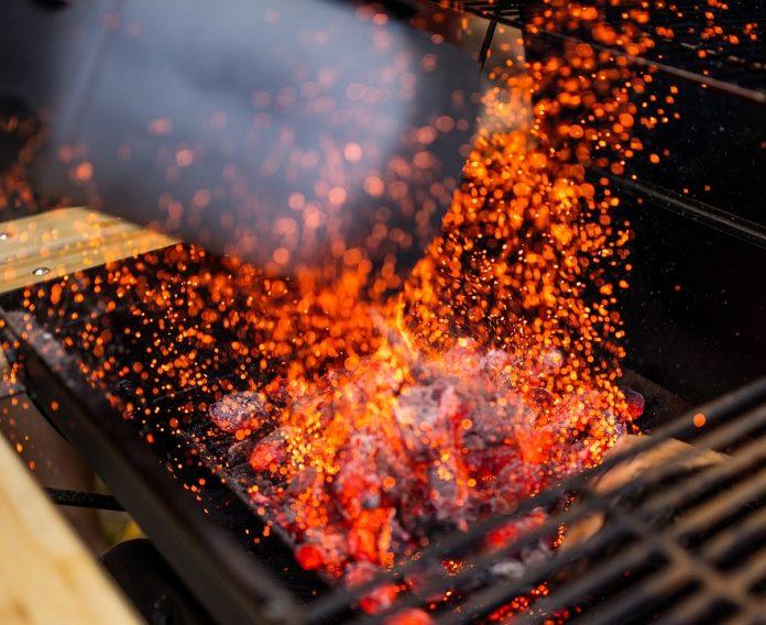 jak rozpalić grilla