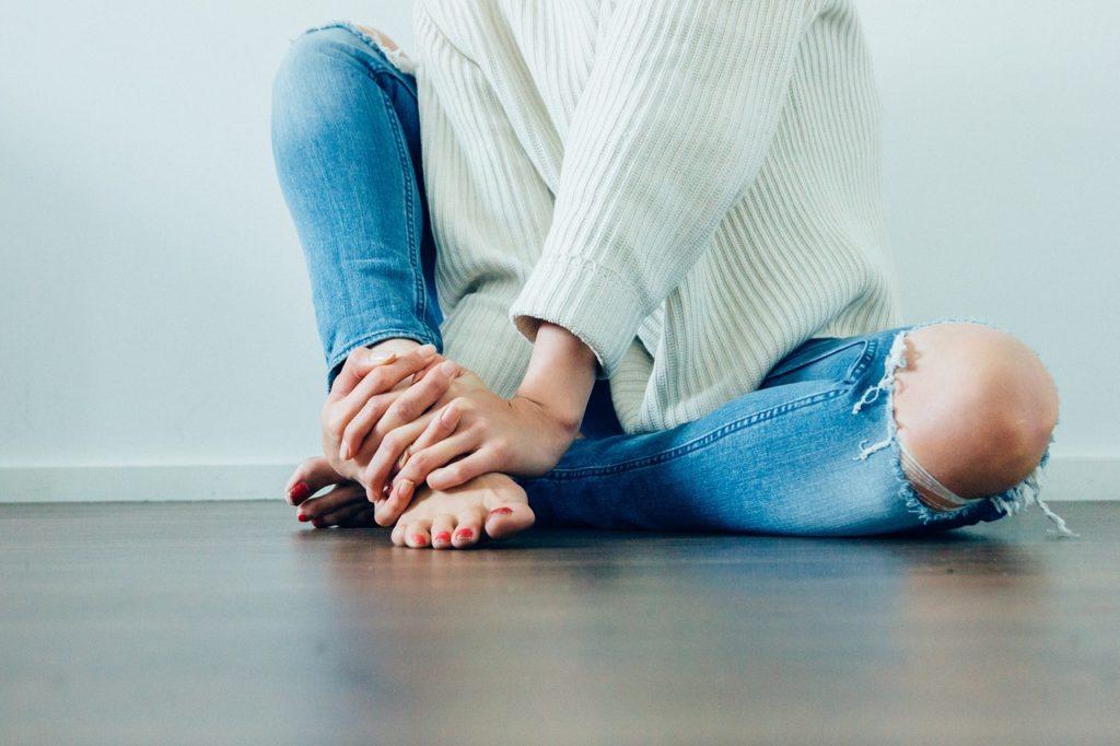 Jakie buty najlepiej pasują do jeansów