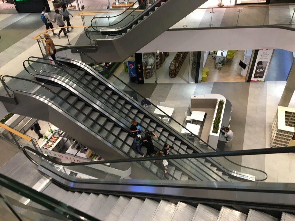 Polacy szturmują galerie handlowe
