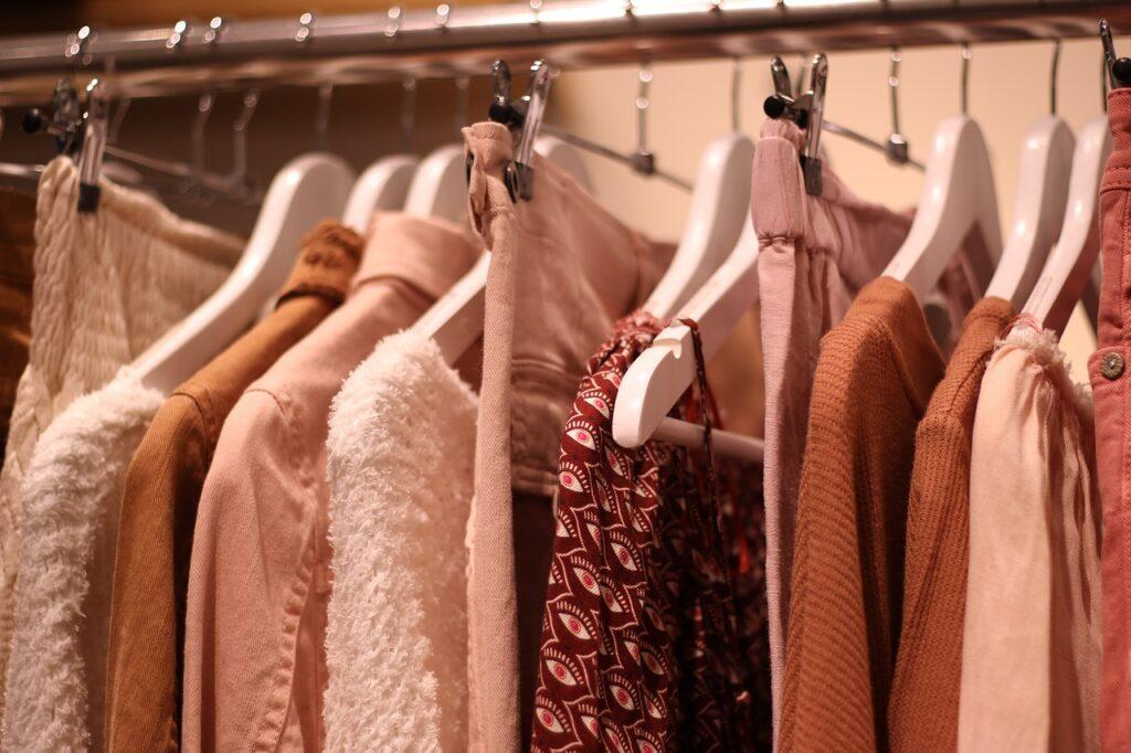 Jak kupować modną odzież i nie przepłacać
