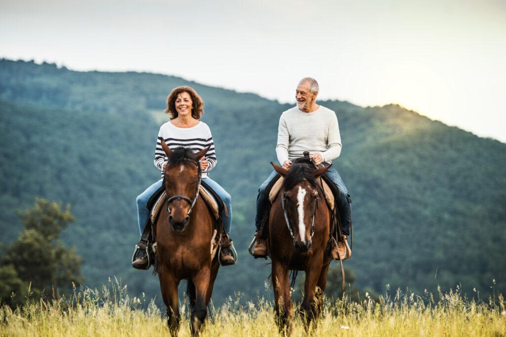 Dlaczego warto nauczyć się jeździć konno