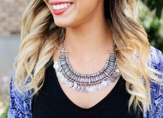 Jak biżuteria odmienia stylizację