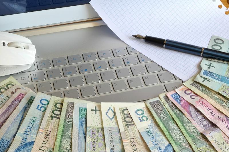 jak-bezpiecznie-pozyczac-pieniadze-przez-internet