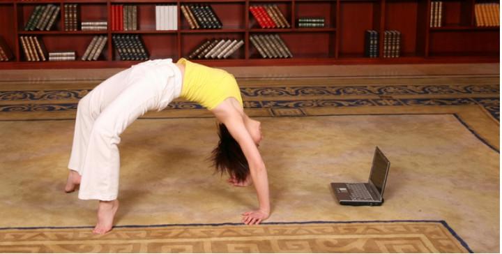 fitness-on-line-lenistwo-czy-nieuchronna-przyszlosc