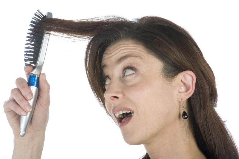 wypadaniu włosów