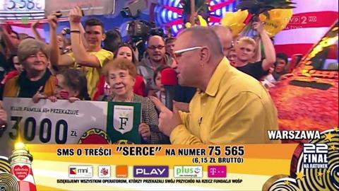 seniorzy-z-owsiakiem-czlonkowie-klubu-familia-65-zbierali-pieniadze-na-wosp