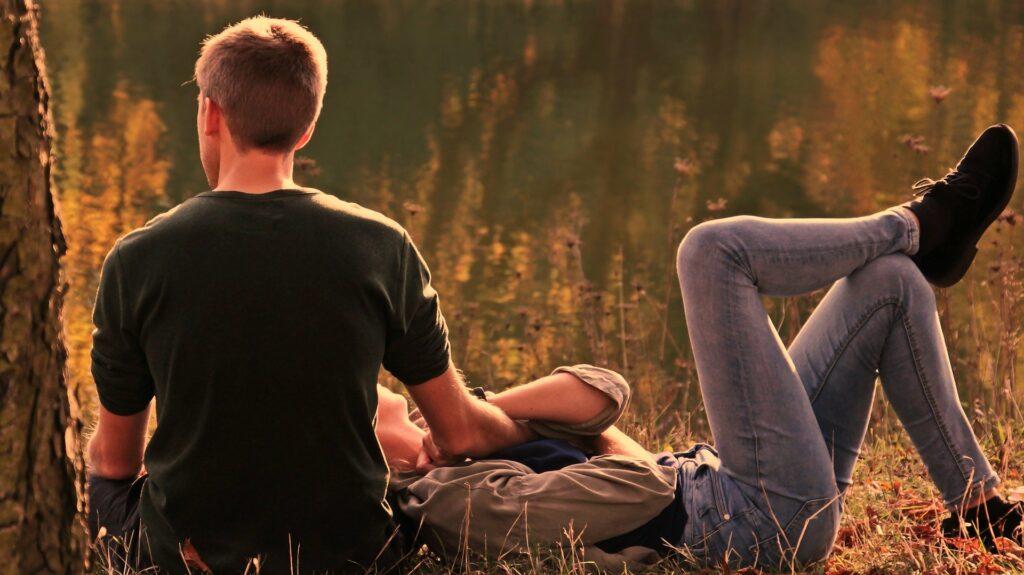 5 oznak, że kobiecie zależy na mężczyźnie