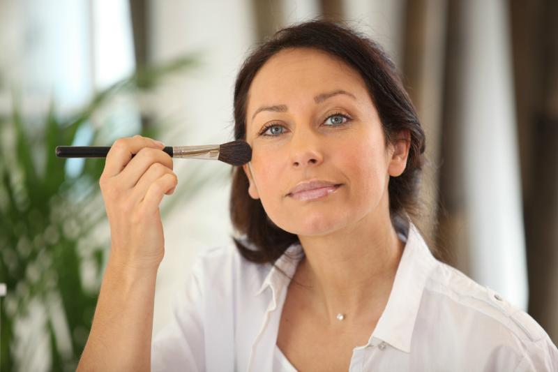 makijaż odejmujący lat