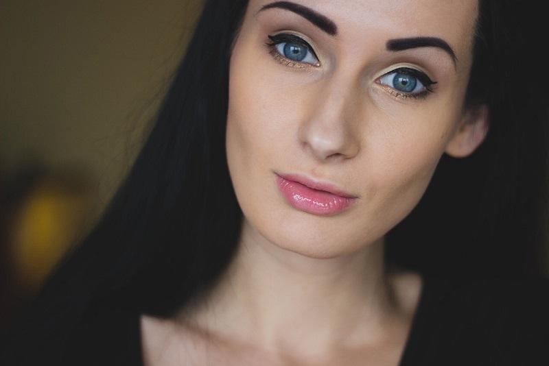 co-mowi-nam-kolor-szminki