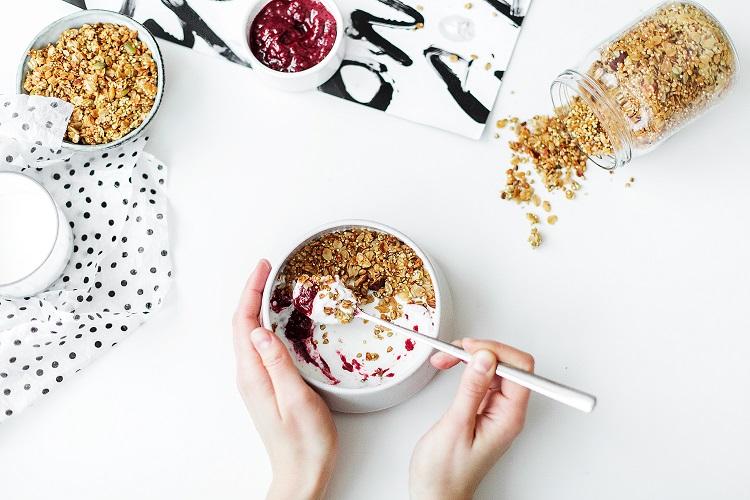 Jak dieta wpływa na produkcję hormonów