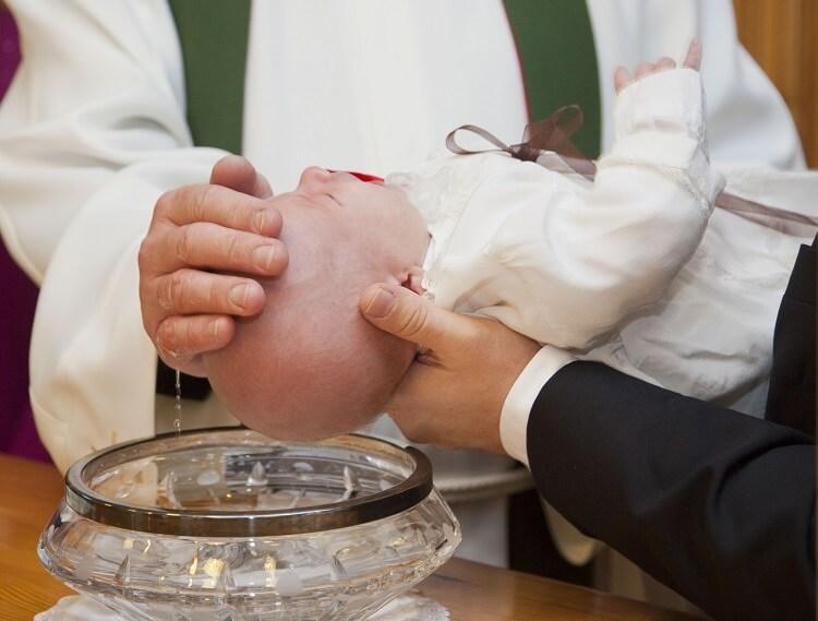 Co daje babcia na chrzest