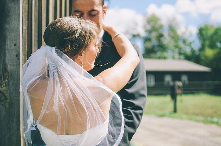 Srebrne kolczyki ślubne