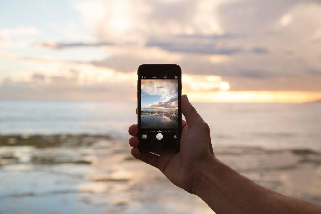 Jak smartfony pozbawiają nas bliskości