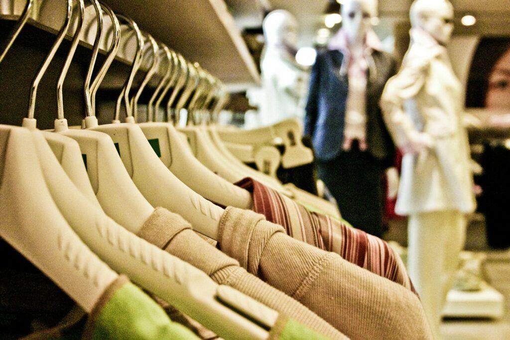 Po czym poznać, że przepłacasz za ubrania