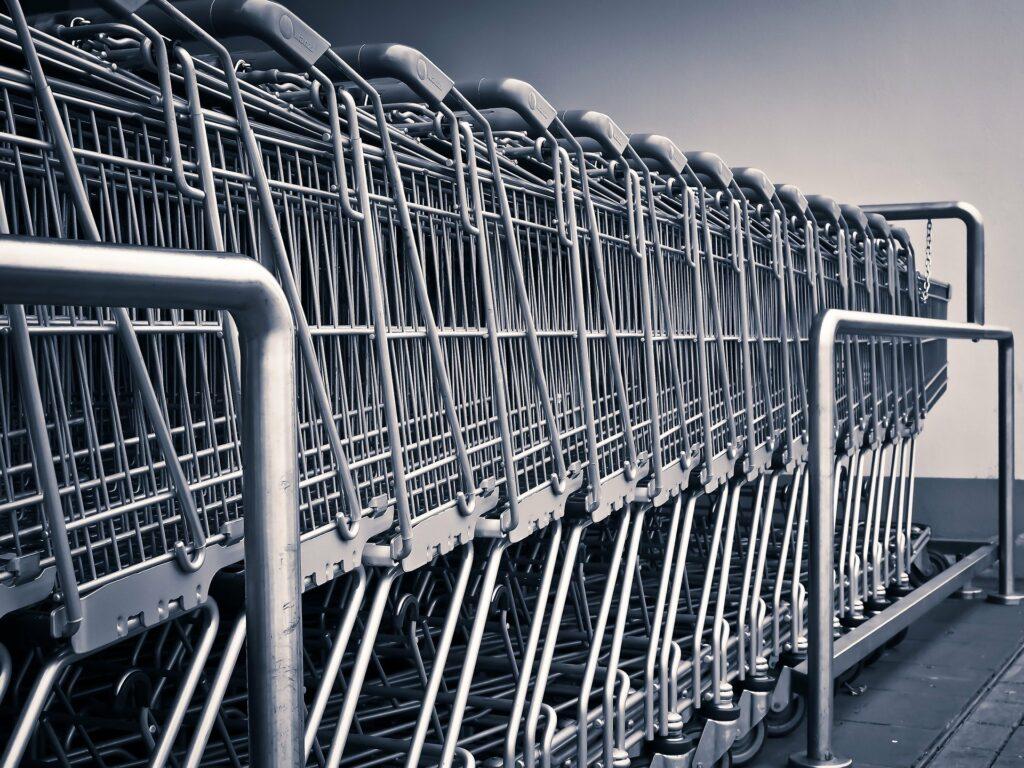 Czy zakupy po wprowadzeniu obostrzeń są bezpieczniejsze