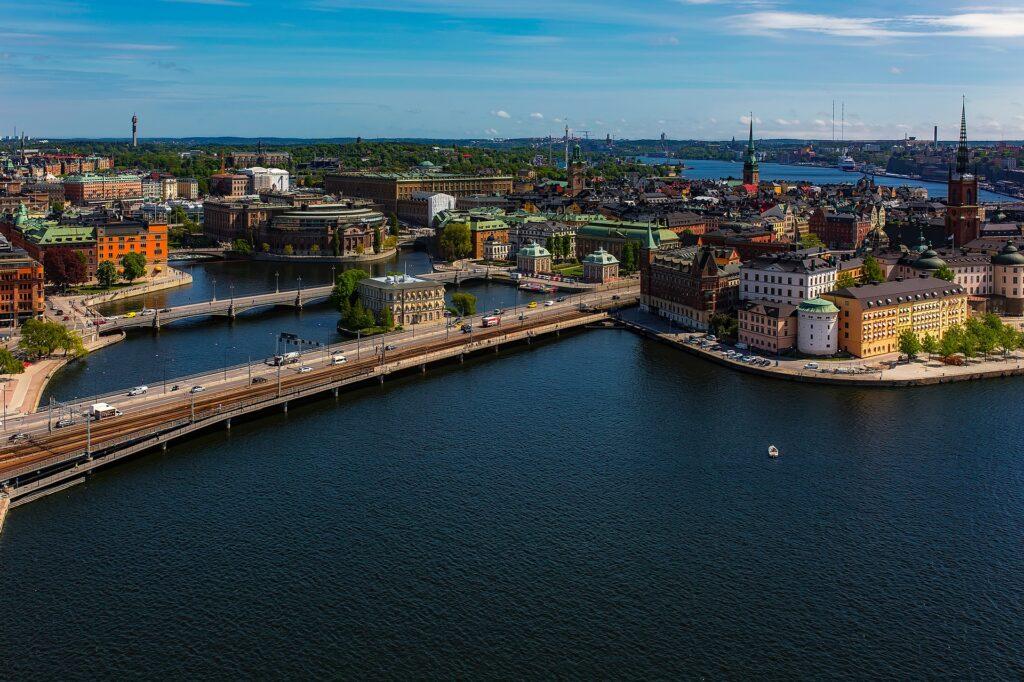 Szwecja jako jedyna w Europie liberalnie podchodzi do walki z koronawirusem