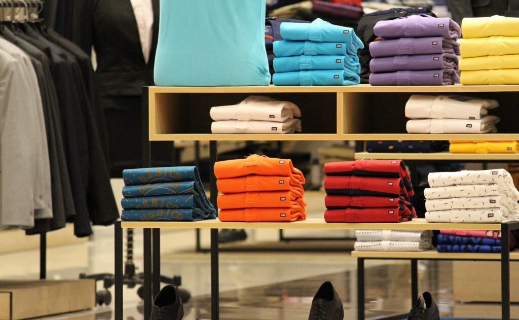 Przymierzanie ubrań w galeriach w dobie epidemii koronawirusa